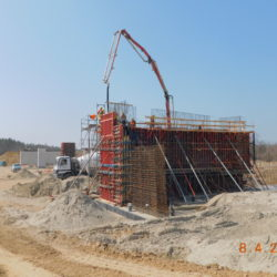 Betonowanie korpusu wiaduktu drogowego WS-25, km 23+950