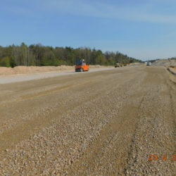 Trasa główna, wykonywanie podbudowy pomocniczej, km 23+000