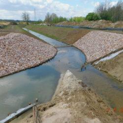 Przebudowywane koryto rzeki Biała, km 23+470