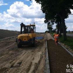 Budowa chodnika przy DK-19 w km 22+300