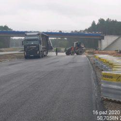 Rozładunek kostki betonowej ( chodnik) WD-22 km 22+300