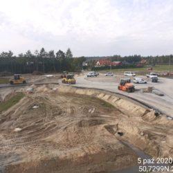 Zagęszczenie podbudowy bitumicznej drogi dojazdowej Węzeł Janów Lub. Północ rondo prawe