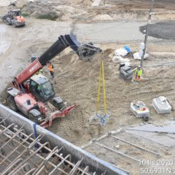 Transport materiały do wykonania umocnienia stożka obiekt WS-25 23+979