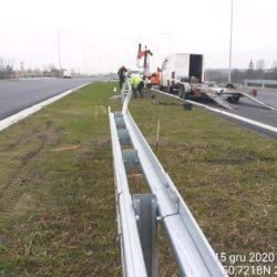 Montaż barier stalowych w pasie rozdziału 20+350