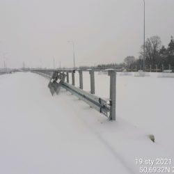 Wykonanie barier stalowych między pomostami obiektu WS-25 23+979