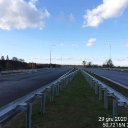 Wykonanie barier stalowych w pasie rozdziału na dojeździe do obiektu WS-21 20+375