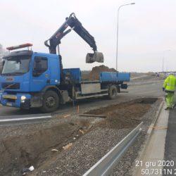 Wykonanie fundamentu pod montaz barier stalowych 18+360
