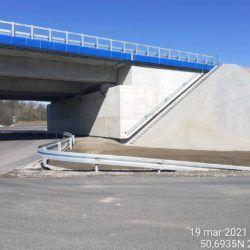 Wykonanie barier na rondzie pod obiektem WS-25 23+979