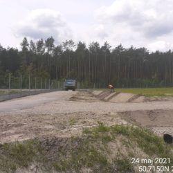 Humusowanie skarpy rowu przy Zbiorniku Retencyjnym ZR-3