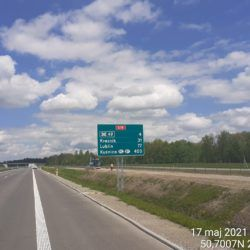 Wykonanie oznakowania pionowego na jezdni lewej w kierunku na Lublin 23+100