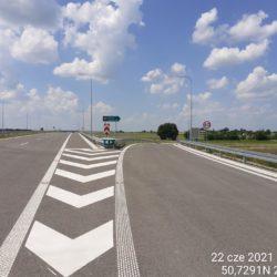 Zjazd z ciągu głównego drogi ekspresowej na łącznice L05L 18+710
