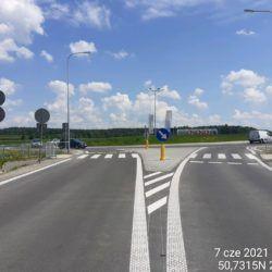 Dojazd do ronda na drodze DK19 18+540