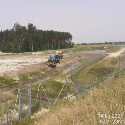 Profilowanie skarpy rowu przy obiekcie ZR-3 21+630